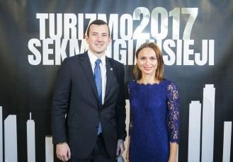 Tarp šiandien paskelbtų Turizmo sėkmingiausiųjų 2017 nominantų – ir Vilniaus eglė, ir Jonas Valančiūnas, ir Marso kanjonų Lietuvoje atradėjai